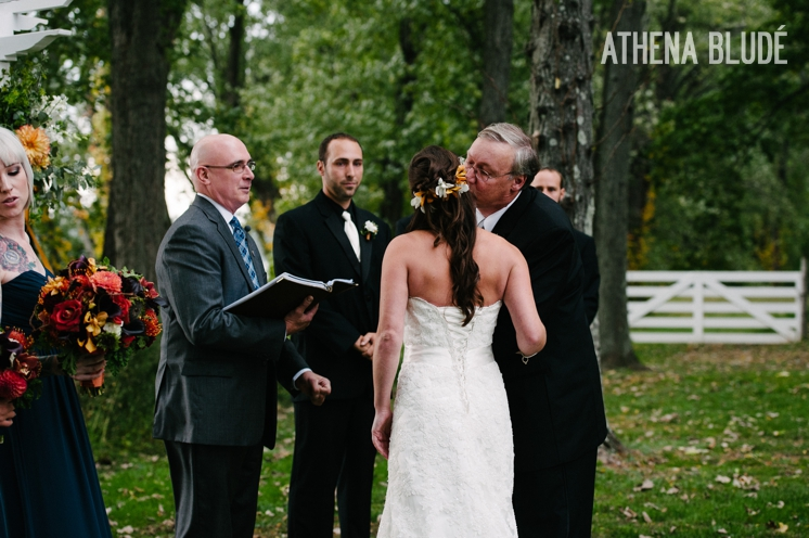town_farm_wedding_athena_blude_photography_034